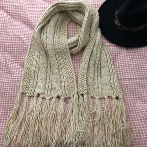 Forever 21 chunky scarf cable knit fringe long